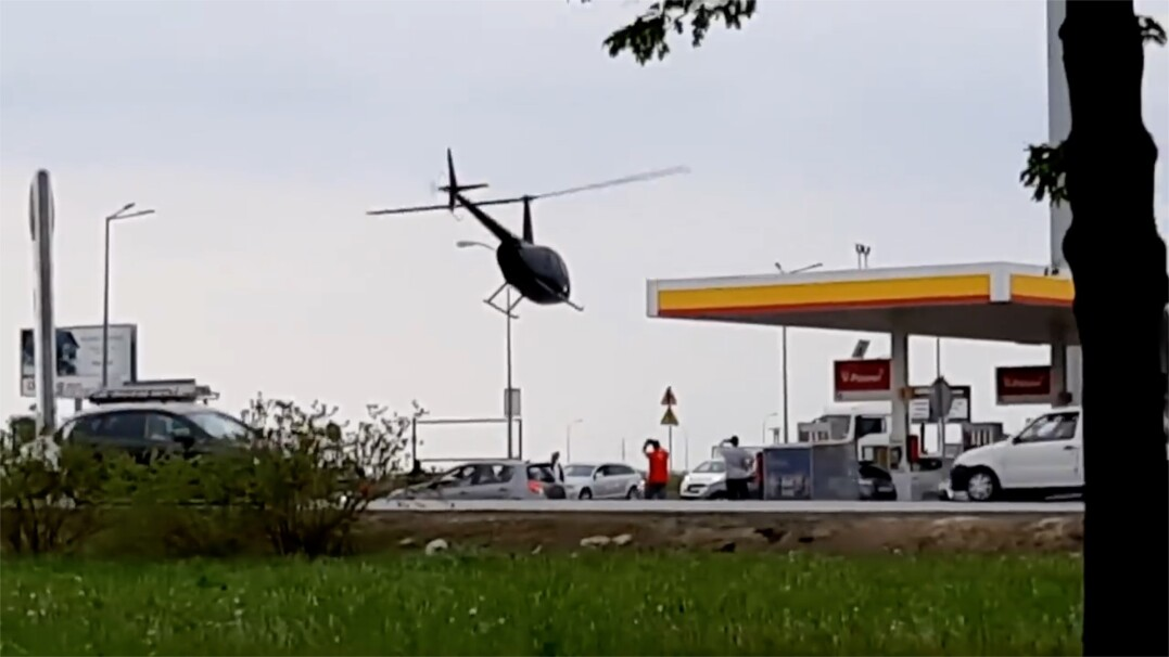 Helikopter na stacji paliw. Przyleciał, zatankował i odleciał