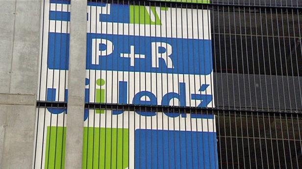 Remonty na dwóch parkingach tvnwarszawa.pl