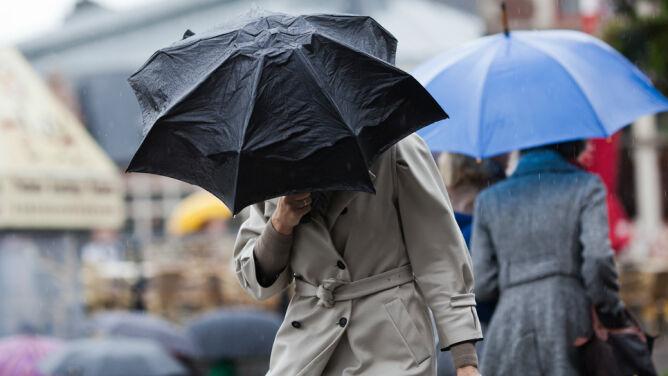 Prognoza pogody na dziś: silniejszy wiatr, lokalne opady i do 10 stopni