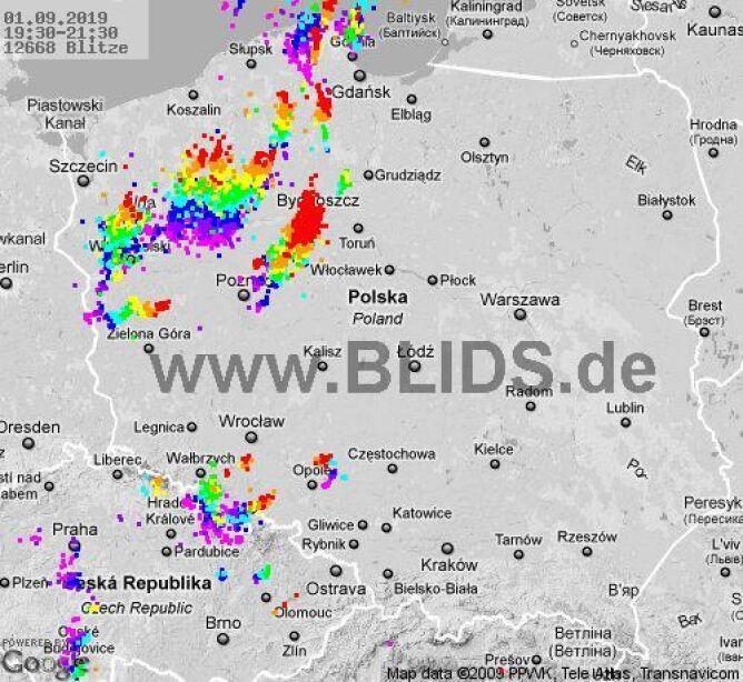 Ścieżka burz w godzinach 19.30-20.30 (blids.de)