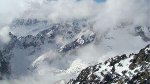 Zagrożenie lawinowe, trudne warunki na szlakach. Uważajcie w górach